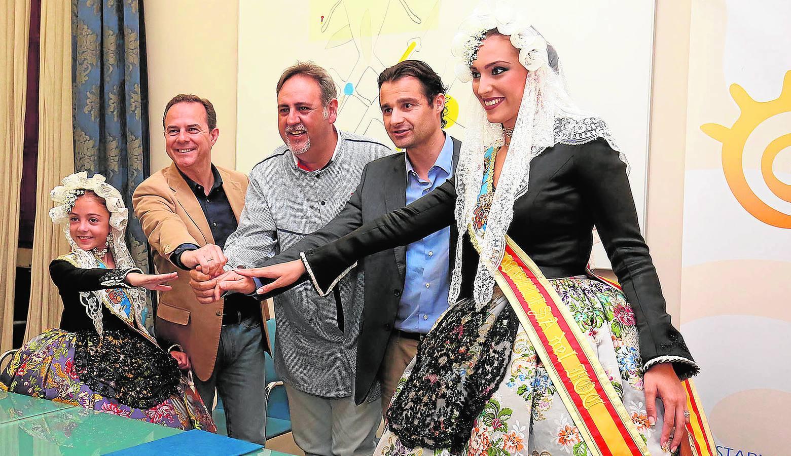 Costa Blanca apuesta por la difusión de Les Fogueres de Sant Joan