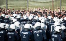 Austria crea una unidad fronteriza para protegerse de «asalto» de migrantes