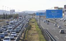 Las carreteras valencianas se preparan para la operación salida del verano: más carriles reversibles y obras paralizadas