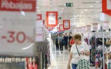 El Corte Inglés inicia las rebajas con descuentos de hasta el 50% en más de 20.000 marcas