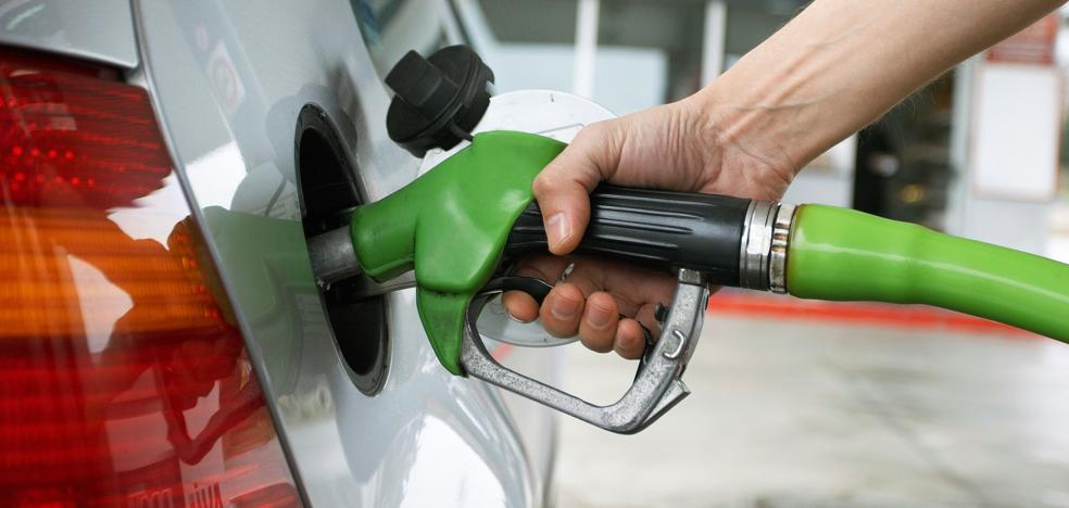Los combustibles más caros de las tres últimas 'operaciones salida' de verano