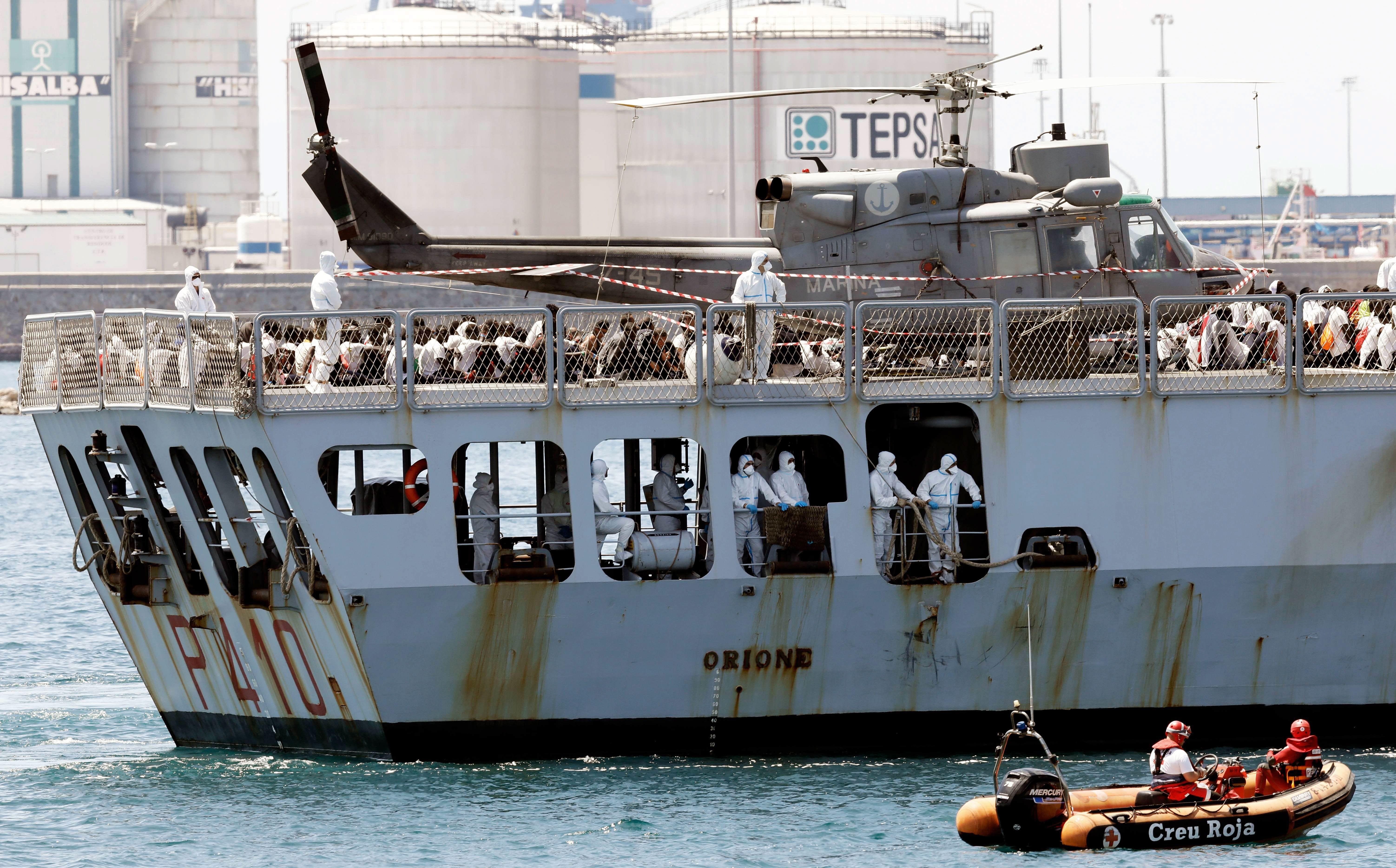 Francia acogerá a unos 80 refugiados del 'Aquarius'