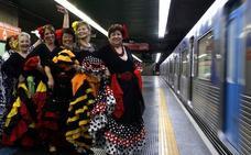 Sevillanas, pasodobles y fandangos de la tercera edad en el metro de Sao Paulo