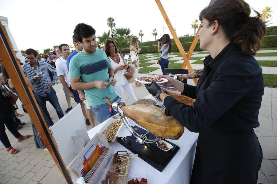 Fiesta gourmet en la 'Gran Plaza' del Hotel Arenas