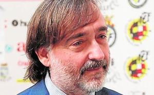 El pleno pide al Consell que mantenga el autobús a Valencia en verano