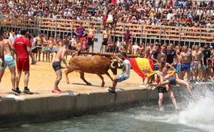 Un herido en la sesión vespertina de bous a la mar de Dénia