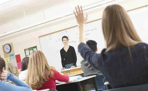 El Gobierno estudia reducir la ratio de alumnos por aula y las horas lectivas del profesorado
