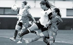 Compromís utiliza el fútbol femenino