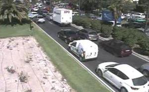 Tres heridos en un accidente en la Avenida del Cid