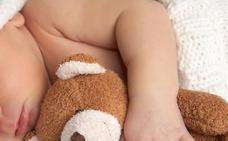 Encuentran sano y salvo a un bebé que fue enterrado vivo en un bosque