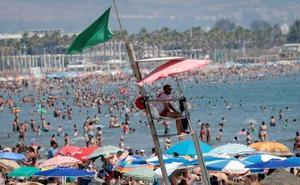 Cruz Roja lanza una campaña para «cuidar» el Mediterráneo con expositores y talleres a pie de playa