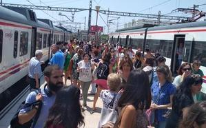 Demoras y supresión de algunos trenes por una avería en la estación de Valencia Nord