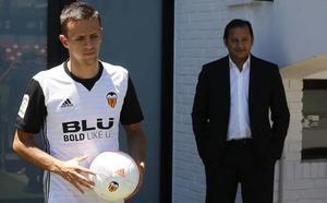 El Valencia espera hacer oficial el traspaso de Maksimovic esta tarde