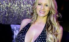 La actriz porno Stormy Daniels detenida en un club de striptease