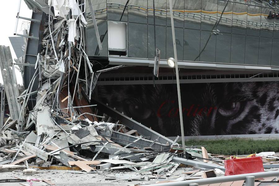 Espectacular derrumbe de un centro comercial en México