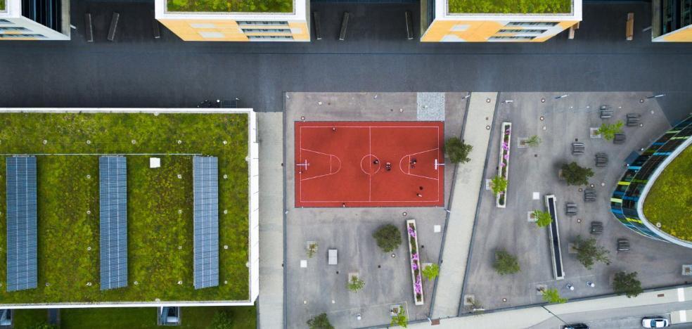 Ivace exige suprimir el 'impuesto al sol' sin regular la instalación de placas en edificios