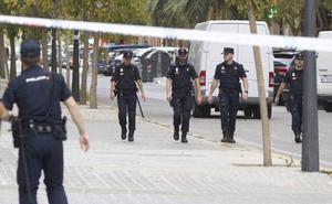 Tres detenidos por agredirse mutuamente con una botella
