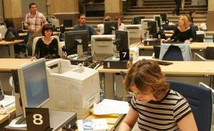 El Consell modifica la Ley de Presupuestos para subir el sueldo a 150.000 funcionarios