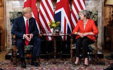 Trump mina su encuentro con May criticando su negociación con la UE