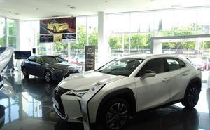'Premiere' del SUV UX250 y la berlina ES300 en Lexus Valencia