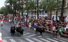 La última entrada de toros da paso a las carrozas en Dénia
