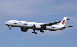 Un avión se precipita 6.500 metros porque un copiloto estaba fumando un cigarrillo electrónico