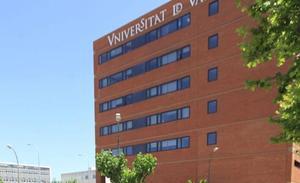 La Universitat de València, quinta mejor de España en producción científica y entre las cien mejores de Europa en rendimiento académico
