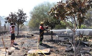 Otro incendio en el Montgó obliga a confinar un centro ocupacional