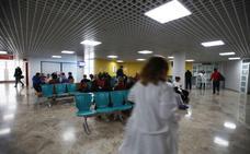Las esperas para ingresar en el Hospital de Alzira se mantienen tras el colapso