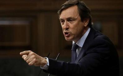 PP y Ciudadanos coinciden en señalar a Sánchez como rehén de bolivarianos y golpistas
