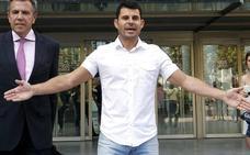 Julio Iglesias recibe la demanda de paternidad de su supuesto hijo valenciano