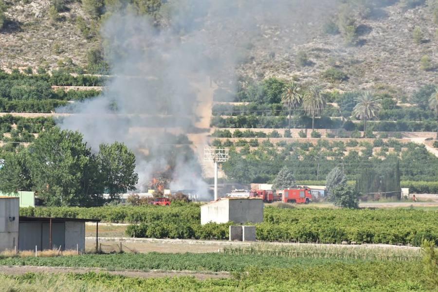 Incendio en una chatarrería de Xàtiva