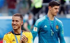Sarri deja en manos del Chelsea el futuro de Hazard y Courtois