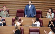 Jesús Sellés toma posesión como nuevo diputado de Les Corts