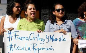 Ortega celebra con acarreados su desprestigiada revolución