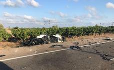 Un hombre muere al chocar un coche contra un camión en la N-340