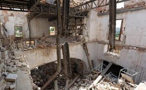 Dentro de la fábrica de muñecas de porcelana abandonada, un inquietante lugar de la Comunitat