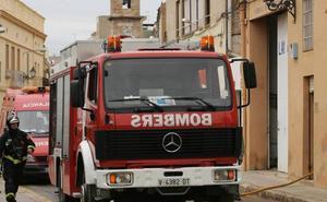 Dos heridos en el incendio de una vivienda en Elche