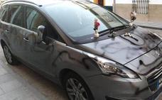 Destroza el coche de su mujer y lo deja como una tumba por pedir el divorcio