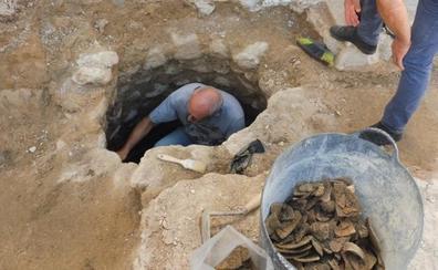Ontinyent descubre un pozo y diversos restos cerámicos anteriores al rey Jaume I
