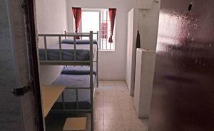 Condenados un funcionario y un frutero por vender móviles a presos en la cárcel de Alicante