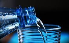 Cuál es la mejor agua mineral con gas, según la OCU