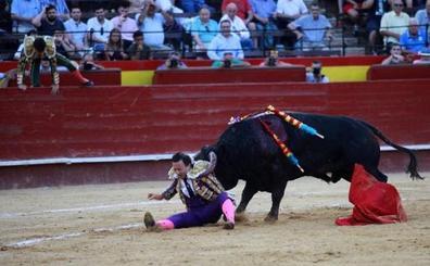 Rafaelillo tiene al menos tres semanas de recuperación tras la grave cornada en la Feria de Julio de Valencia