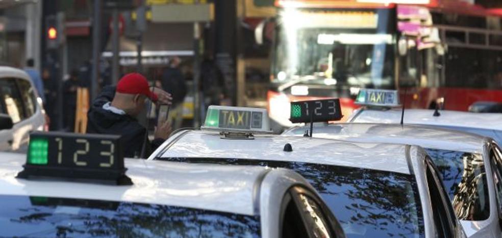Los taxistas quieren que Valencia amanezca «paralizada»