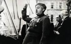 Un grupo de militares retirados firma un manifiesto en defensa de Franco