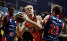 El Valencia Basket cede a Hlinason