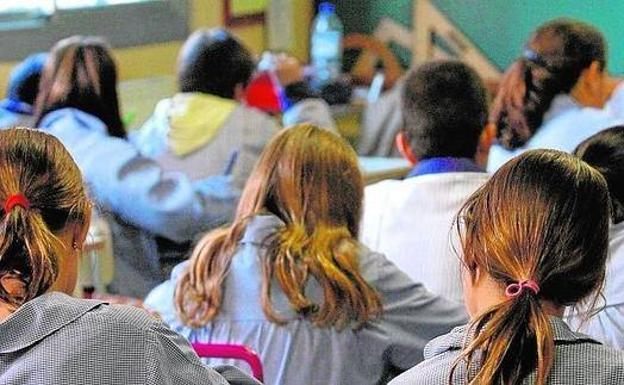 Compromís presenta una moción en el Senado para eliminar Religión en las aulas