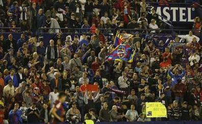 Las aficiones de Levante y Valencia exigen que el derbi no se juegue a las 12 de la mañana por el calor