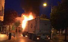 Se quema un camión de la basura en Xàbia