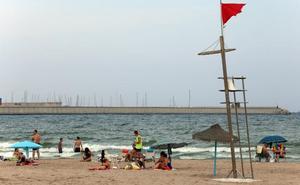 El Ayuntamiento de Valencia mantiene cerrada la playa de Pinedo
